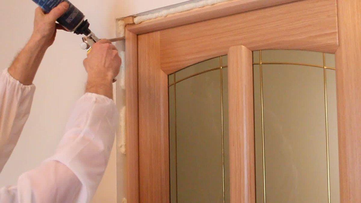 Установка двери самому